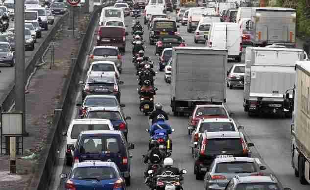 Lane-Splitting-Traffic-Congestion.jpg
